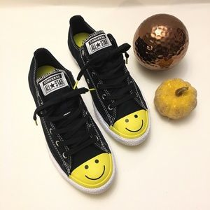 Converse smiley face low top sneakers worn once